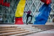 Des skateurs sur la dalle de la Défense